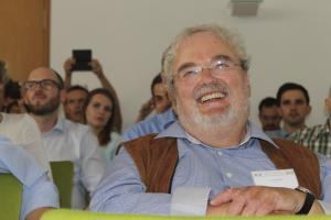 Teilnehmer mit grinsendem Gesicht