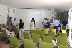 Markt der Möglichkeiten, Blick in den Saal mit SVL und Hololens Demonstratoren