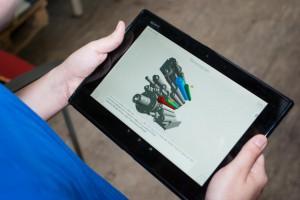 Tablet mit geöffneter Lernanwendung