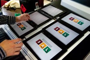 6 Tablets mit SAL-Lernanwendung