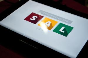 Tablet mit Startbildschirm für die Lernanwendung